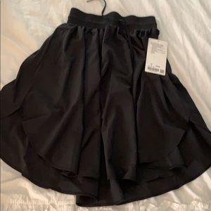 Lululemon everyday skirt black size 4 NWT